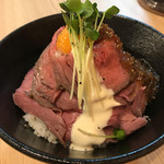 ローストビーフ油そば ビースト - トルネードローストビーフ丼