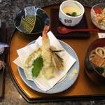 でかねた寿司 - これ全部で1000円てすご~い♡