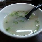 三隈飯店 - ・ラーメンスープ ラーメンのためにと言うより、やきそばのために、、となっているような
