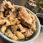 ガイトーンTokyo - 盛り盛りの骨スープ(笑)