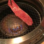 和牛焼肉じろうや 介 wagyu&sake - しゃぶしゃぶのように軽く炙って→