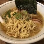 欽山製麺所 - 麺を引き摺り出す