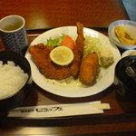 ビュッフェ - 日替わりランチ・シーフードフライ(700円)