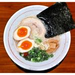 中村屋 - 「塩とんこつ背脂+味玉」(2016.12)
