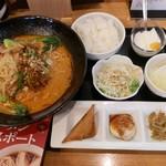中華料理香満堂 - 坦々麺定食