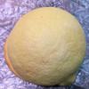 ヤオコーピノ - 料理写真:黄金色のメープルメロンパン。 税込140円。 うまし。