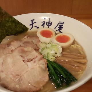 天神屋の濃厚鶏煮干スープ