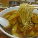 金門飯店 - 細めの中華麺です。
