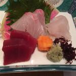 本等鮨 海馬 - 造り三種盛(1500円)