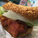 ラッキーピエロ - ラッキーピエロ ベイエリア本店(北海道函館市末広町)チャイニーズチキンバーガー