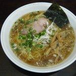 麺や 小五郎 - 醤油ラーメン(580円)+大盛り(150円)
