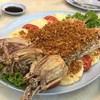 Sornthong Restaurant  - 料理写真: 揚げシャコ