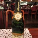 アニオン - シャンペンのボトル