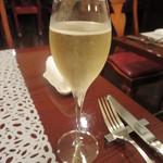 アニオン - グラスシャンペン 1400円