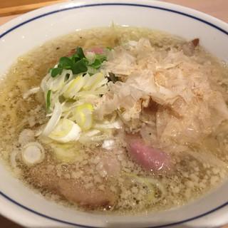 らーめん鱗 - 料理写真:塩ラーメン(¥750)