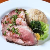 本日のお肉のロースト w/ガーリックライス