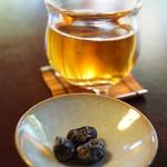 茶寮 宝泉 - 最初に供される冷茶