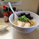らーめん れんげ - 鶏白湯らーめん680円+粉チーズ50円+岩のり(クーポン)(横から)