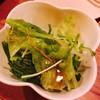炭火もつ焼き 串もん - 料理写真:お通しが生野菜って嬉しぃ あたし的にはごま油たっぷりキャベツよりこっち派(笑)