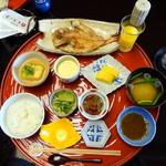 60631732 - 朝食