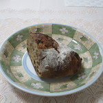 AOKI - 料理写真:クルミレーズンハース1/2カット