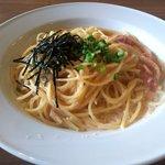 関内ビアホール トマト酒場 - 明太子のクリームパスタ