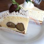 CAFÉ de ROMAN - マロンタルトとレアチーズ