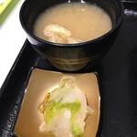 丼ぶり屋台 - (料理)味噌汁セット