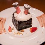 カフェ&ブックス ビブリオテーク - サンタのショコラケーキ