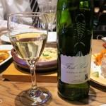 TAVERNA UOKIN - ワインは2,980円のものでも十分美味い