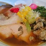 Koimenkurage - 料理写真:元日限定・略して「らー」(金目鯛と牡蠣と名古屋コーチンを使用した醤油らーめん) 1000円
