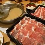 どん亭 - 牛・豚コース2,190円(税抜)