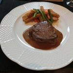 洋凡料理 NAKAMURA - 牛ヒレ肉のステーキグリーンペッパーソース