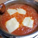 神戸ちゃんこ部屋 - トマトちゃんこ鍋 3回戦め 〆の雑炊にチーズ投入!
