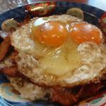 60737102 - 焼き豚卵飯