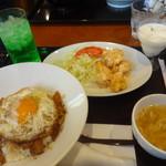 60737106 - 焼き豚卵飯とエビチリセット