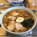 60744661 - チャーシュー麺(1026円)と中華麺の少なめ(少なめは108円引き)