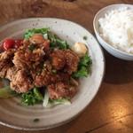 カフェ グローブ - 鶏の唐揚ネギソース  980円