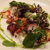 アノニム - 料理写真:モッツァレラチーズと神戸市内で採れた有機野菜のサラダ