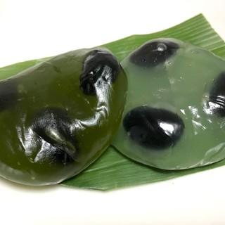 白鷺堂本舗 - 料理写真:黒豆入抹茶くず餅&黒豆入くず餅