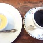 60777749 - かぼちゃプリンとコーヒー