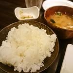 千里菫 - ごはん、味噌汁、漬物