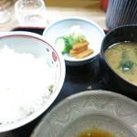 天松 - 白飯 香の物 味噌汁
