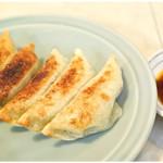 60795038 - 王さまの餃子 420円 バリっバリの皮と野菜オンリーの餡が特徴的です。