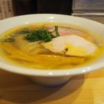 自家製麺 竜葵 - ラーメン 横から