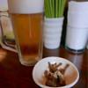 ラハメン ヤマン - 料理写真:生ビール、アルコールにはメンマ付き