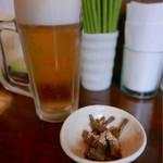 ラハメン ヤマン - 生ビール、アルコールにはメンマ付き