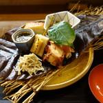 ふじ居 - 前菜:生麩田楽、ナマコ、蛸柔らか煮、モズク酢、金柑チーズ等