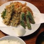 登良屋 - 2014/12/3 野菜だけの天ぷら一人前盛りも出来ます
