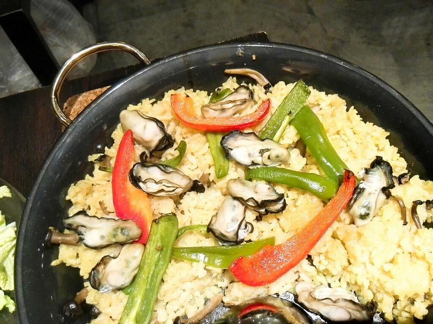 牡蠣とワイン 大曽根oysters